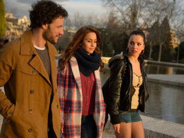 Amparo llega a Madrid dispuesta a vivir la vida de su hermana