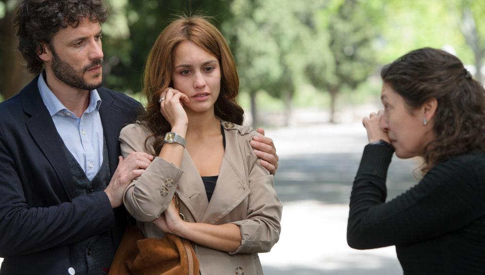 María y Juan reúnen pruebas para acusar a Enrique de la muerte de Fernanda