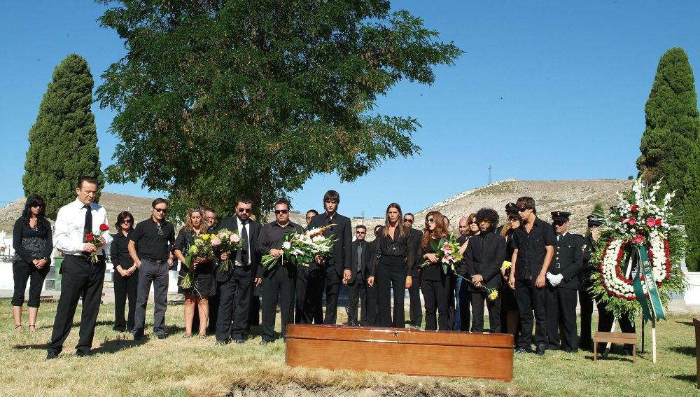 Los Hombres de Paco - Temporada 6 - Capitulo 11 - Los dos entierros de Lucas Fernández
