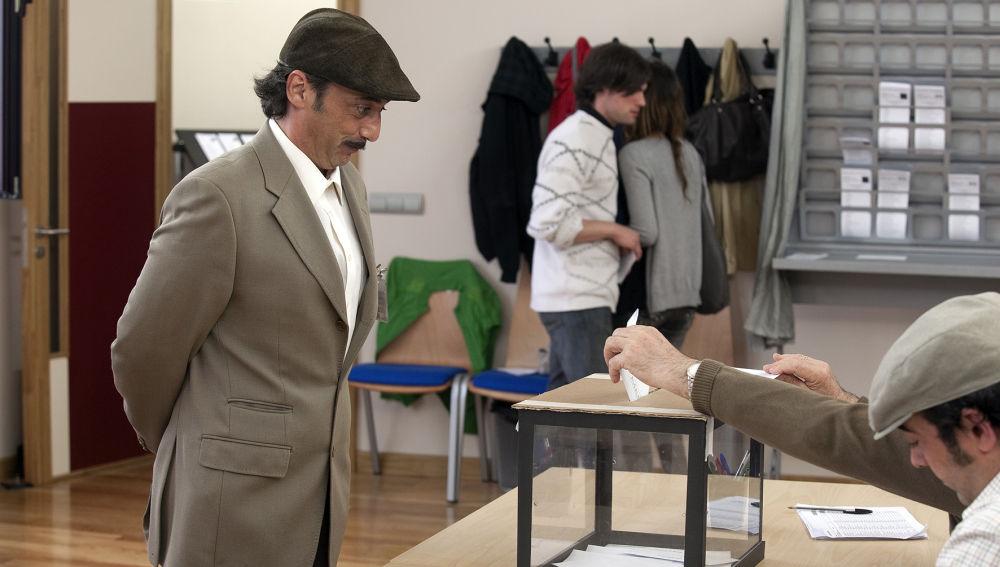 Doctor Mateo - Temporada 4 - Capítulo 3: De cómo un pepinillo se cruza con un cartero, un hombre desnudo entra en un bar de San Frutos (por no hablar de las elecciones)