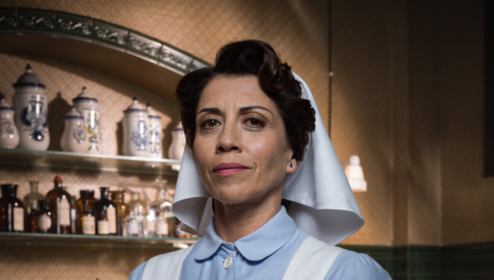Alicia Borrachero es Carmen Angoloti