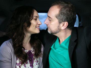 Natalia Verbeke y Gonzalo de Castro en 'Doctor Mateo'