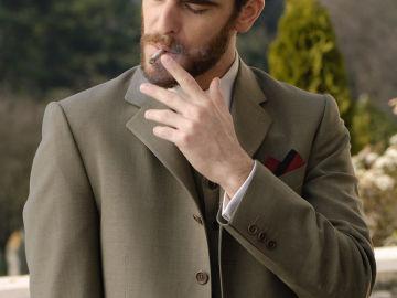 Alfonso Bassave, es Gonzalo, sobrino de Doña Teresa.