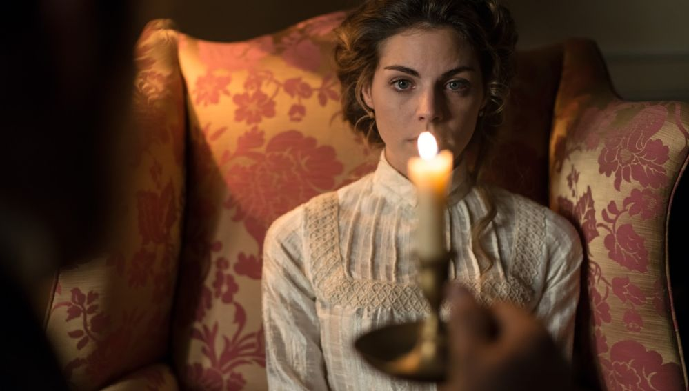 Alicia Alarcón se somete a una hipnosis para intentar recordar algo acerca de su secuestro