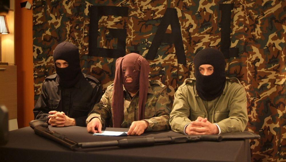 Paco, Mariano y Lucas intentan frenar un plan terrorista inexistente