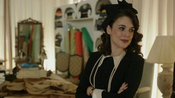 Sira Quiroga cierra una etapa en el final de 'El tiempo entre costuras'