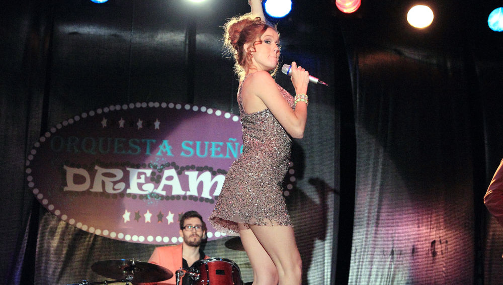 María Castro es Trini en 'Vive cantando'