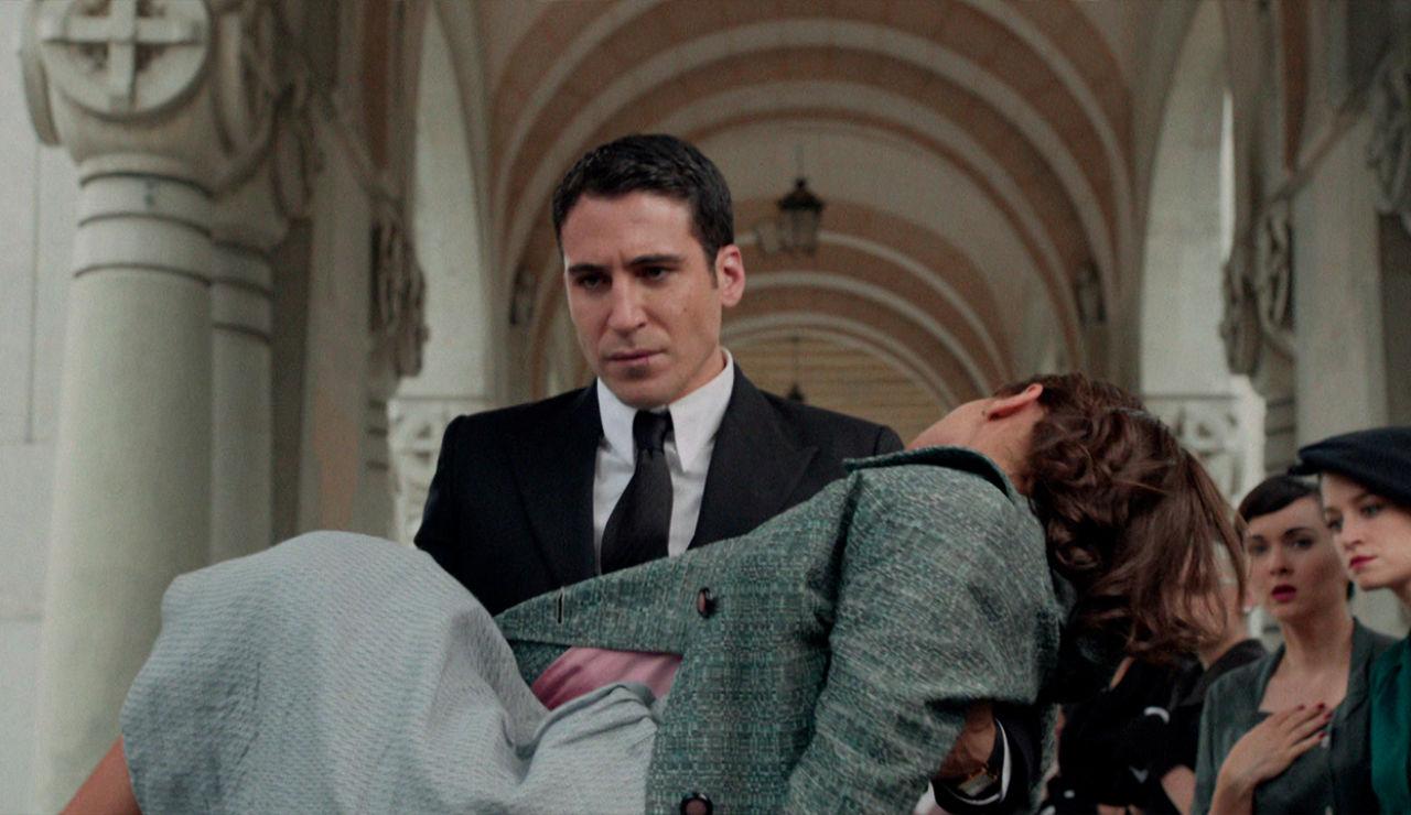 Velvet - Temporada 1 - Capítulo 1: Alas de mariposa - El funeral de Don Rafael